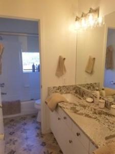 Main Bath 1