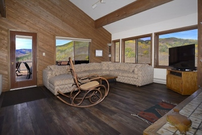 51-Paradise_11-living-room-2