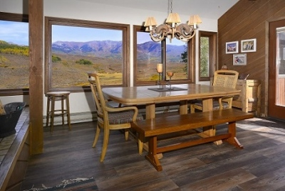 51-Paradise_14-dining-room