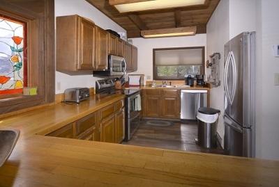 51-Paradise_16-kitchen