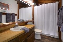 51-Paradise_22-guest-bath-1