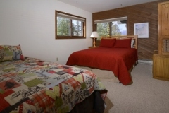 51-Paradise_24-guest-bed-2